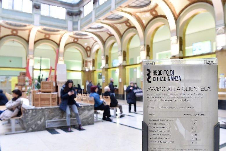 """Reddito-di-Cittadinanza:-in-una-settimana-140mila-richieste,-ma-niente-""""assalto"""".-Perché?"""