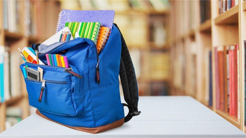 Una-mano-per-la-scuola,-Fondazione-Ebbene-partecipa-alla-raccolta-di-materiale-scolastico