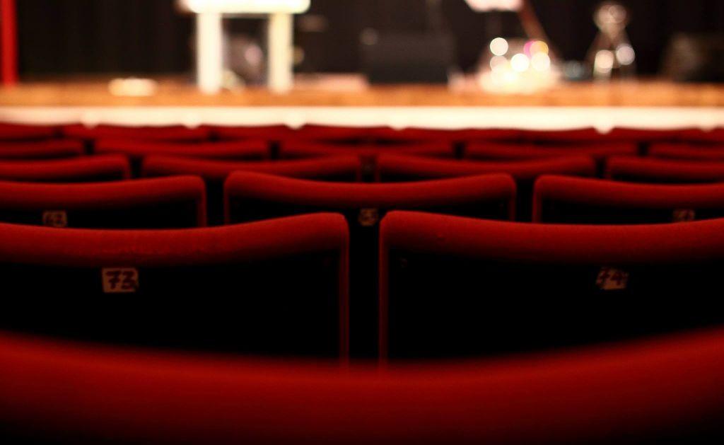 """Un-""""biglietto-sospeso""""-per-donare-teatro:-l'iniziativa-solidale-approda-anche-a-Bologna"""